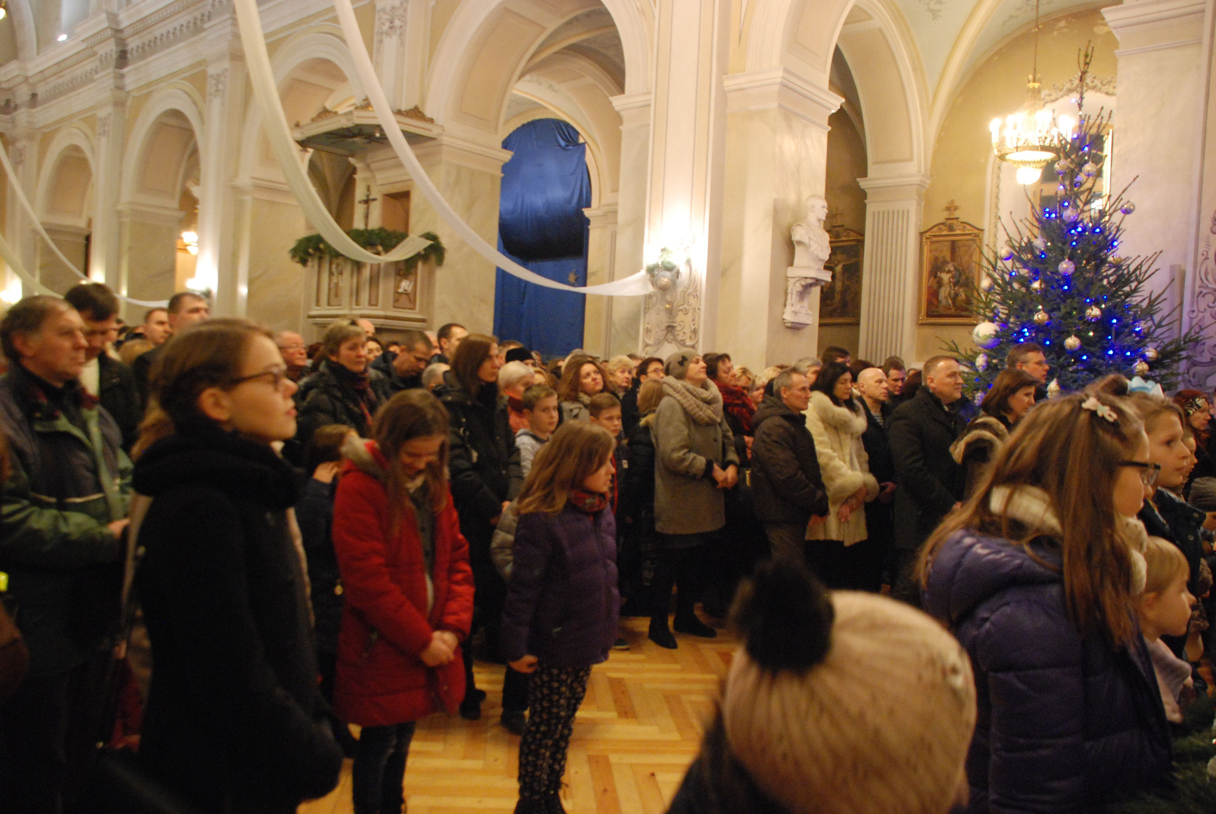 Panevėžio Šv. apaštalų Petro ir Povilo parapija Kalėdos 2016